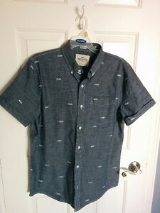 Hollister Guys Collared Shirt - NEW Size L