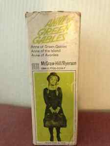 Vintage Anne of Green Gables Softcover Books in Case circa 1942 London Ontario image 3