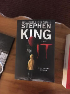 It by Stephen King (2017 trade paperback, practically new)