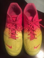 Nike elastico indoor soccer shoes in MINT condition!