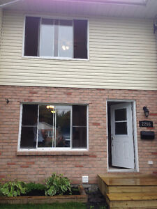 Beautiful 2 bedroom townhouse for rent