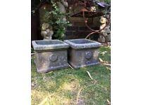 Pair of nice garden planters, pots