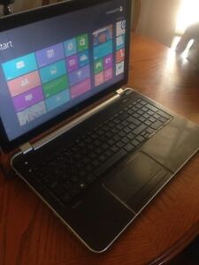 Hp laptop (15-n088ca) 900gb