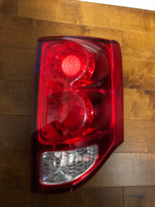 2011-2017 DODGE GRAND CARAVAN PASSENGER SIDE REAR TAIL LIGHT