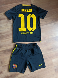FC Barcelona Messi football kit age 8-9 es black very rare