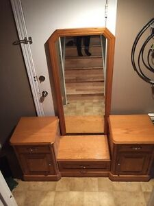 Oak vanity/dresser with mirror