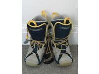 Ski boots size 5