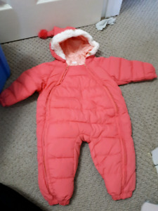 Snowsuit - 6 to 9 months - new