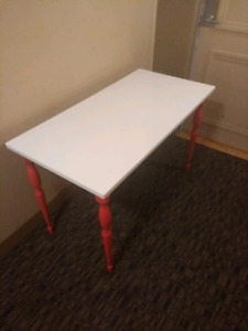 Ikea hissmonn table