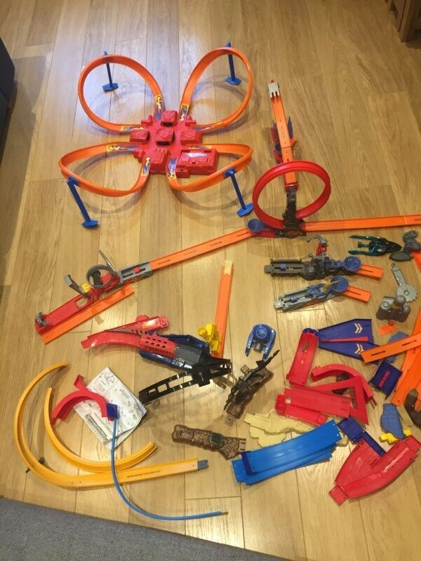 HOT WHEELS Tracks all in excellent condition