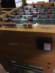 HARVARD COMPETITION SIZE FOOSEBALL TABLE SOLID & STRONG !!!