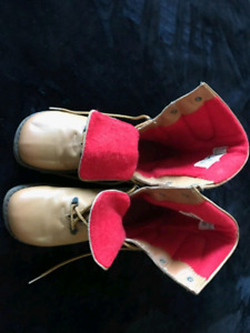 Vintage cougar pillow boots