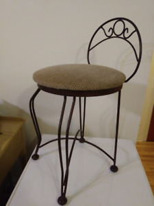 Petite Chaise Vintage en Fer Forgé