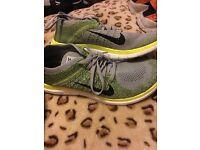 Nike FlyKnit 4.0 Size 9.5