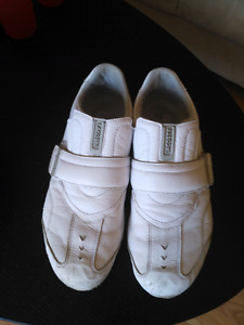Men's Lacoste Casual Shoes (sz 9) - Very Good Used Condition