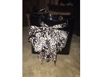 DKNY LARGE BLACK PATENT BUCKET BAG WITH SILVER CHAIN HANDLES