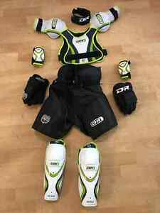 Full Set Ice Hockey Equipment Starter Kit Youth S/M
