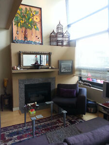 Modern Airy Penthouse Loft Downtown-West End Greater Vancouver Area image 3