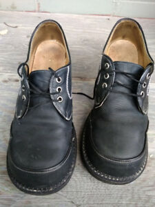 Funky Black Men's Leather Shoes Size 9