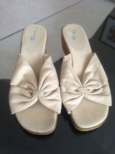 Open Toe Wedge Sandals * Size 9 * Edmonton Edmonton Area image 1