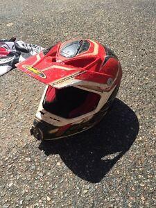 Dirtbiking helmet