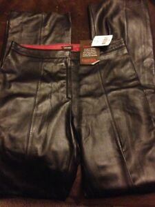 Ladies Leather Pants - Danier Leather **NEW**