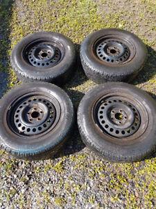 Maxtour GT radial tire w/ Rims