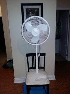 Lasko Oscillating Pedestal Fan, 16-in