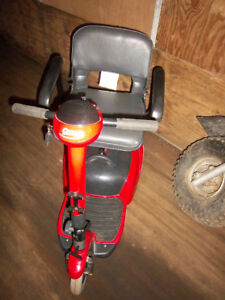 COSCO ABILITY CARE ESSENTIALS 3 WHEEL MOBILITY SCOOTER
