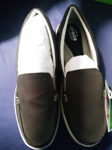 Size 10 (fit like 9) womens crocs boat shoes