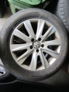 SET OF 4 VOLKSWAGON ALLOYS WITH 235/55ZR17