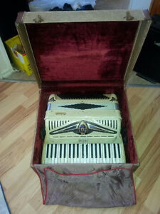 Vintage Salanti 2045 Piano Accordion - 1950/60's