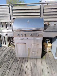 BBQ - Natural Gas in working condition