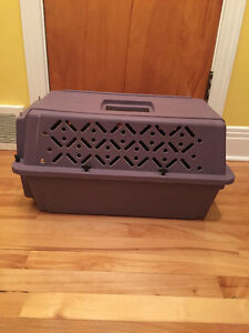 Petmate, Kennel Cab Animal carrying case