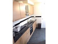 DOUBLE ROOM AVAILABLE IN BRUCE GROVE N17- ALL BILLS INCLUDED