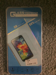 Brand NEW--glass screen protector for  iPhone 5/6/7