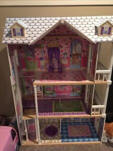 Kidcraft Wooden Doll house with elevator