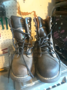 Steel toe boots / shoes