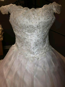 Brand new off- shoulder wedding dress/gown