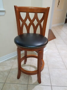 4 LEATHER OAK BAR STOOLS- SET OF 4- GREAT CONDITION