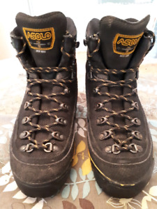 Women's Asolo boots, size 7.5.