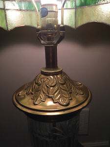 Stained glass Tiffany style table lamp London Ontario image 2