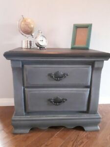 For sale! Solid Wood End Table/Night Stand