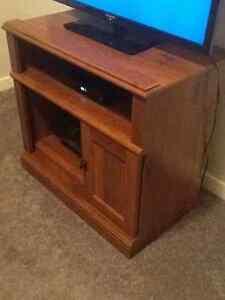 Tv cabinet.