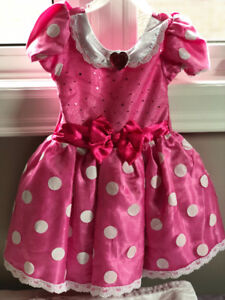 Minnie Mouse costume and headband. Size 3.