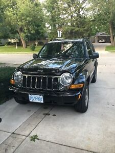 Selling 2006 Fully Loaded Jeep Liberty Limited