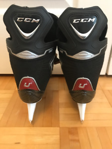 Boys Junior Size 2 CCM Ice Skates