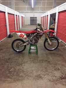 2006 crf250r mint condition has import paperwork