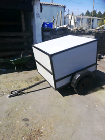 Dog box trailer