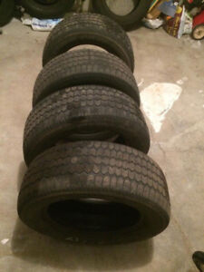4 used Winter Tires Uniroyal (215 65R16).